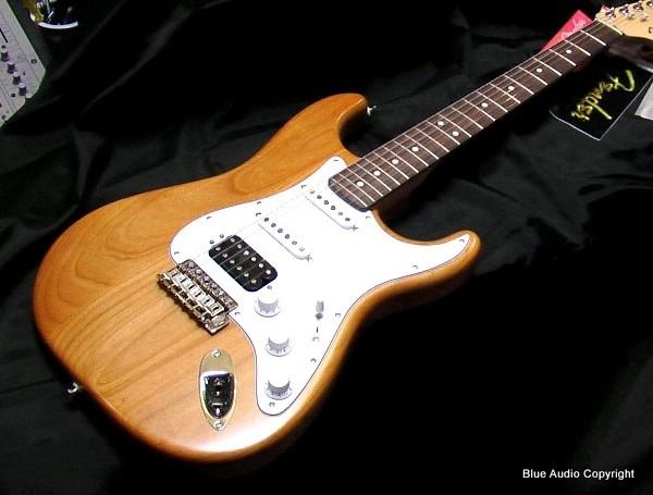 FENDER Chitarra Elettrica mod.Stratocaster HIGHWAY ONE HSS (USA)  RW Ambra Trasparent