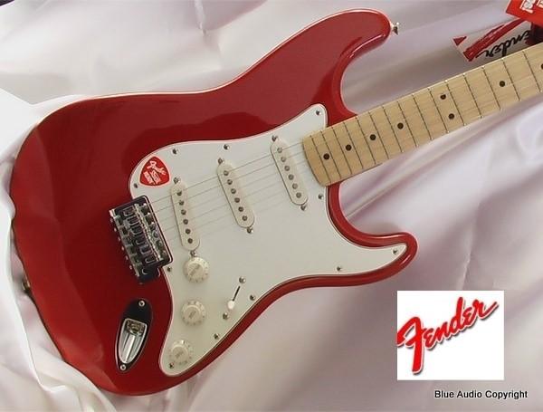 FENDER Chitarra Elettrica STRATOCASTER  MN Standard Mex  colore Rosso